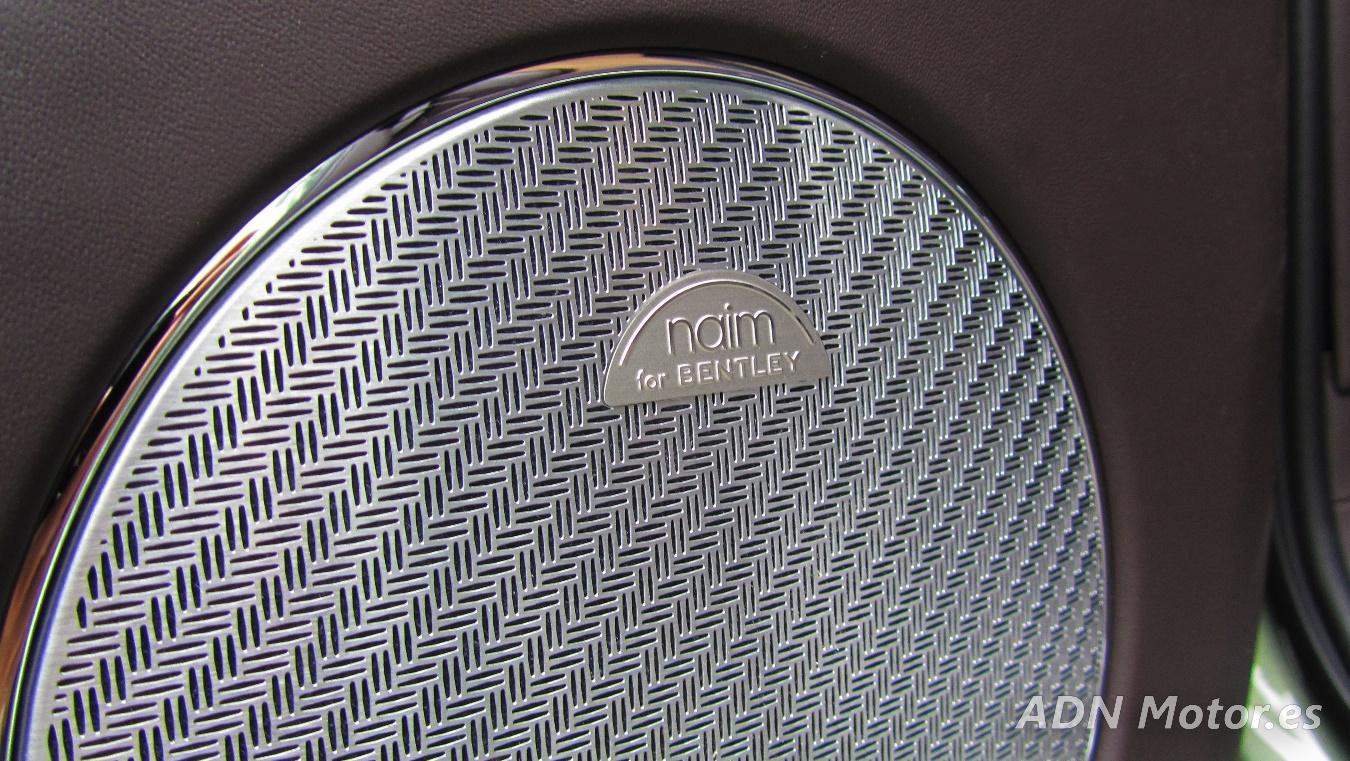 C:\Users\Cristóbal\Desktop\Fotos\Bentley Bentayga Diésel (27).jpg